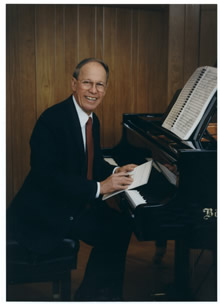Photo of Harold Schiffman at the Bösendorfer. Tallahassee, Florida (1998) Photograph by Lois Griffin © 1998 Lois Griffin