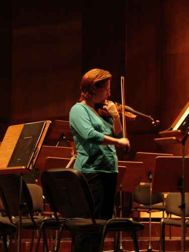 Photo taken the day before recording, violinist Rebekah Binford rehearses alone in János Richter Hall. János Richter Hall, Győr, Hungary (20 September 2007)