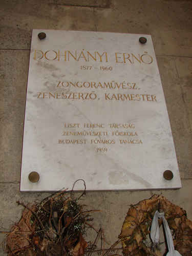 Photo of detail of the plaque honoring and memorializing Ernst von Dohnányi (Dohnányi Ernő), attached to the North wall of the Franz Liszt Academy (Liszt Ferenc Zenem¨vészeti Egyetem, or Liszt Ferenc Zeneakadémia) in Budapest. Budapest, Hungary (26 September 2007)