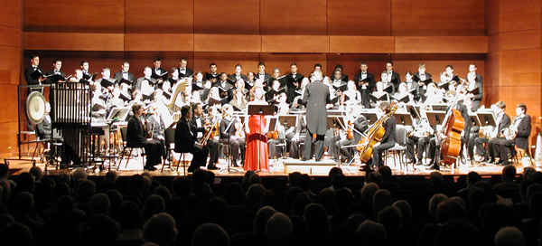 Photo of the North Carolina première of Alma (2002), School of Music Recital Hall, the University of North Carolina at Greensboro (1 March 2008). Photograph by Jennifer Scott