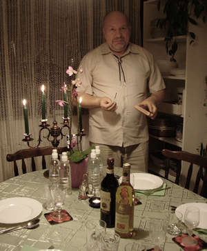 Recording engineer István Biller as gifted chef was amply demonstrated in his special farewell dinner offered in his home. (26 October 2008)
