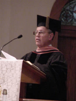 Photo of Harold Schiffman presenting the Commencement Address to the Graduates of the School of Music; The University of North Carolina at Greensboro (14 May 2004)