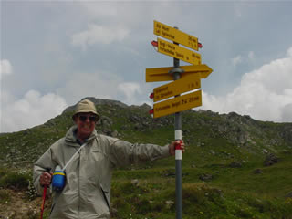 Photo of Harold Schiffman at the junction of trails to Alp Munt and Grialetsch.  Upper Engadine, Switzerland (28 June 2003)